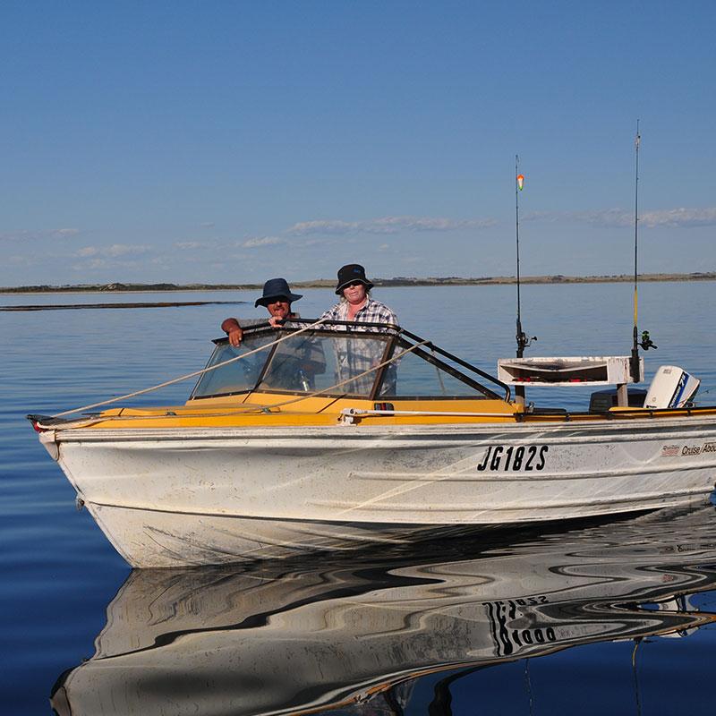 ROBE_Fishing_800x800p